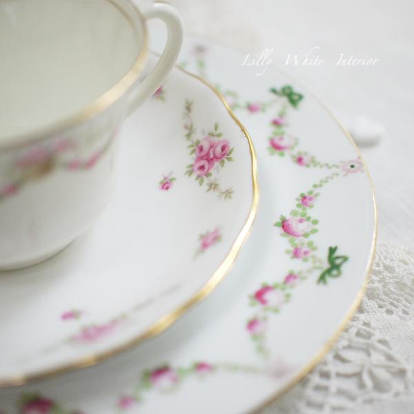 英国ヴィンテージ ミントン Aynsley, Royal Osborne & Crown Staffordshire グリーンのリボンと薔薇のヴィンテージトリオ